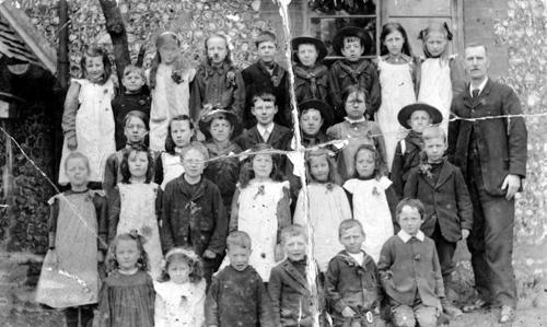 Tadley School; Samuel (Bert) Rose, born 1908, second from the left in the top row.